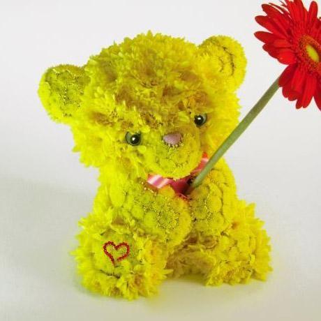 Желтый мишка на Невабукет.ру - Доставка цветов в Петербурге круглосуточно, цветы СПб 24 часа.